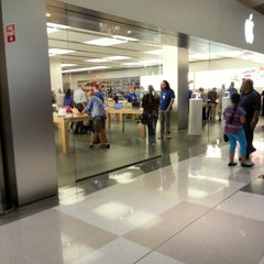 Photo taken at Apple Store, Chermside by Grant M. on 9/21/2012