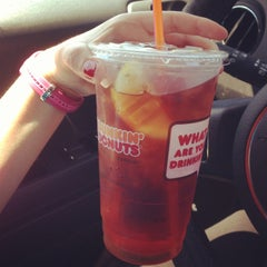 Photo taken at Dunkin' Donuts by Stephanie L. on 5/6/2013