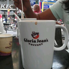 Photo taken at Gloria Jeans Coffees by Herkko V. on 1/24/2012