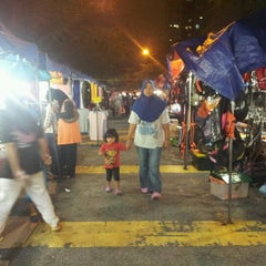 Photo taken at Pasar Malam Desa Tasik (Night Market) by Fiverules A. on 1/16/2013