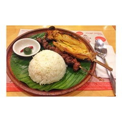 Photo taken at Bacolod Chicken Inasal by Sheena V. on 8/9/2014
