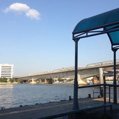 Photo taken at ท่าเรือพระราม 7 (Rama 7 Pier) N24 by Patcha🌾 on 12/13/2012