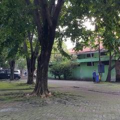 Photo taken at SMA Negeri 16 Surabaya by Sigit W. on 5/4/2015