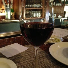 Photo taken at Romano's Macaroni Grill by Jeannette D. on 8/31/2013