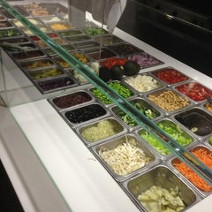 Photo taken at Simply Salad by Mannie R. on 1/31/2013