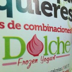 Photo taken at Dolche Frozen Yogurt by Antonio R. on 10/11/2012