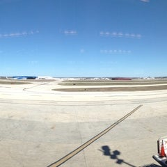 Photo taken at Gate B6 by Fernando D. on 3/2/2013