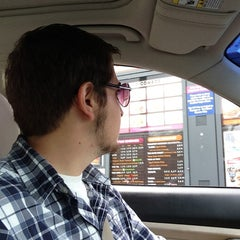 Photo taken at Dunkin' Donuts by Morris L. on 6/29/2013