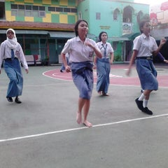 Photo taken at SMKN 8 Jakarta by Nurhasti A. on 2/4/2014