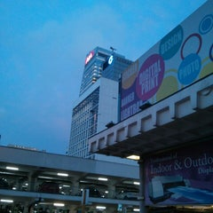 Photo taken at Hong Kong City Hall 香港大會堂 by Enochan C. on 5/22/2013