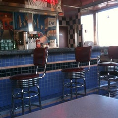 Photo taken at Silver Diner by Paul R. on 11/13/2012
