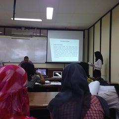 Photo taken at Fakultas Ekonomi by Solasidoc S. on 7/14/2014