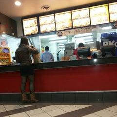 Photo taken at Burger King by Paula z. on 4/27/2013