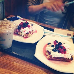 Photo taken at Caffé bene by 朝香 砂. on 9/9/2013