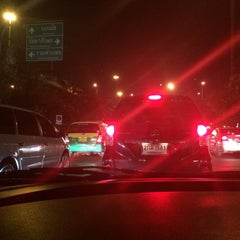 Photo taken at แยกวัดพระรามเก้า (Wat Rama IX Intersection) by Eve W. on 2/26/2015