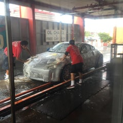 Photo taken at Prestige Auto Wash & Automotive by Dada G. on 12/5/2014