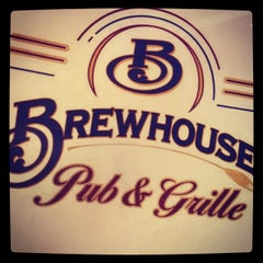 Photo taken at Brewhouse Pub & Grille by Crista A. on 11/18/2014