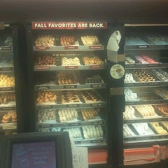 Photo taken at Dunkin' Donuts by Antonice L. on 9/17/2012