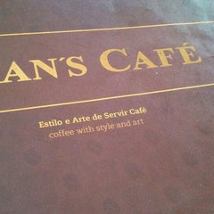 Photo taken at Fran's Café by Eduardo A. on 3/23/2013