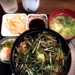 Photo taken at 和食料理 花邨 by Matio M. on 10/3/2014