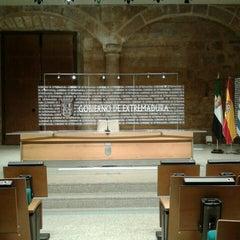 Photo taken at Presidencia - Junta de Extremadura by José M. on 4/25/2013