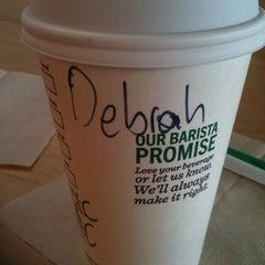 Photo taken at Starbucks by Déborah D. on 10/10/2014