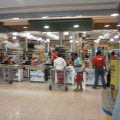 Photo taken at Supermercados Líder by Henos Silva J. on 5/29/2013