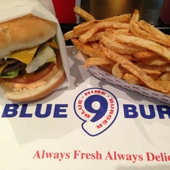 Photo taken at Blue 9 Burger by Shiri H. on 5/25/2013