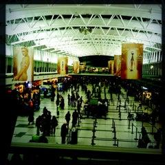 Photo taken at Aeropuerto Internacional de Ezeiza - Ministro Pistarini (EZE) by Perlorian B. on 5/21/2013