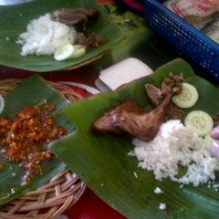 Photo taken at Bebek Ireng Suroboyo  Cak Baz by yokie k. on 12/9/2012