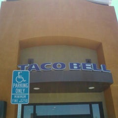 Photo taken at Taco Bell by Shawn U. on 5/30/2011
