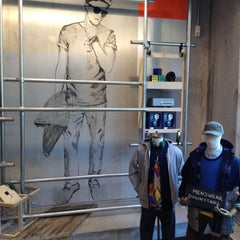 Photo taken at Urban Outfitters by Jin C. on 3/5/2012