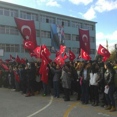 Photo taken at Kurtuluş Anadolu Lisesi by Ayşegül M. on 10/29/2015