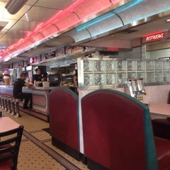 Photo taken at Rosie's Diner by Jon S. on 1/2/2014