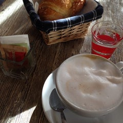 Photo taken at Caffe' Dei Pazzi by ⚓️ Carlo F. on 11/23/2013
