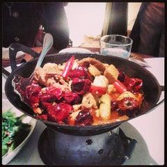 Photo taken at 1010新湘菜館 Pop Hunan Cuisine by Yu-Min K. on 3/12/2014