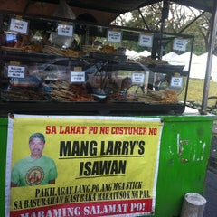 Photo taken at Mang Larry's Isawan by Joyce D. on 12/28/2012