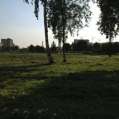 Photo taken at Парк Строителей by Катя П. on 6/4/2013