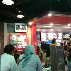 Photo taken at KFC by Muhammad Iqbal H. on 5/26/2013