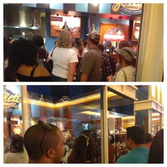 Photo taken at Garrett Popcorn Shops - Navy Pier by Brian F. on 8/17/2013
