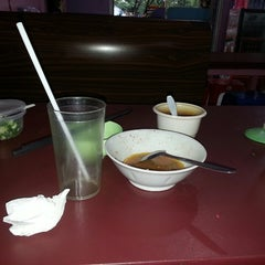 Photo taken at Bakmi karet planet by Emy N. on 7/12/2013