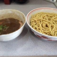 Photo taken at 麺屋白頭鷲 by Keiichiro K. on 6/29/2014