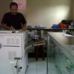Photo taken at Fotocopy SMA Negeri 7 Yogyakarta by Lailia Tantri Z. on 2/20/2013