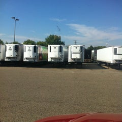 Photo taken at Dry Docks Rec Supervalue by Elizabeth T. on 8/26/2013