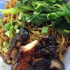 Photo taken at Restoran Puchong Fatt Kee by Ray on 7/9/2014