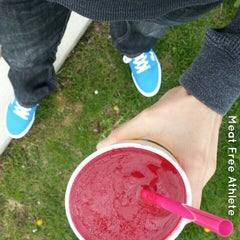 Photo taken at Booster Juice by Anne-Marie C. on 5/25/2013