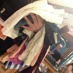 Photo taken at American Eagle Outfitters by Luana d. on 7/17/2013