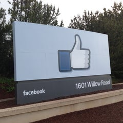 Photo taken at Facebook HQ by Tsutsumu I. on 4/4/2013