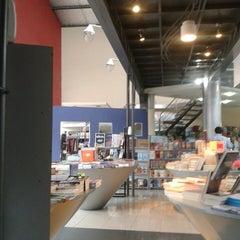 Photo taken at El lector. Librería/Editorial by Gustavo R. on 6/19/2013