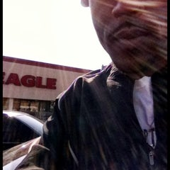 Photo taken at Giant Eagle Supermarket by Michael L. on 4/8/2013